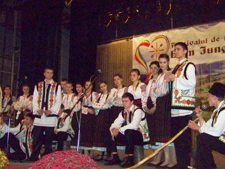 Festival-E.-Junghietu-1