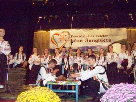 Festival-E.-Junghietu-4
