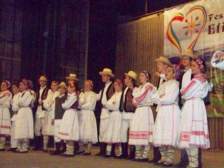 Festival-E.-Junghietu